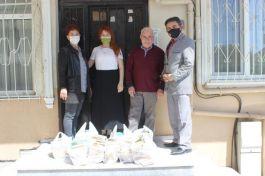 Körfez'de Şehitler Kütüphanesi için, kendisine ait 165 kitabı bağışladı