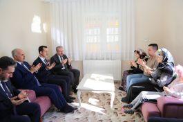 Kütahya Valisi Şehit Ailesini ziyaret etti