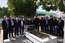 Manavgat'ta Şehit Asker mezarı başında anıldı