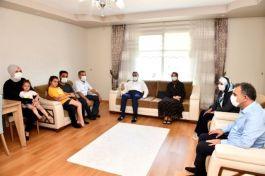 Mersin Vali'si Şehit ailelerini ziyaret etti