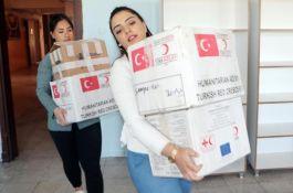 Milli Sporcular Erzurum'da 5 okulda açtıkları kütüphanelere 5 şehidin adı verildi