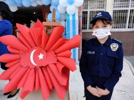 Öğrenciler İlkokulda Polis haftasını kutladı