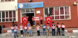 Öğrencilerden Barış Pınarı Harekatı'na anlamlı destek