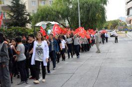 Öğrencilerinden Mehmetçiğe Komando Marşlı Destek