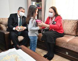 Osmaniye Valisi Şehit Korucu Ailesini ziyaret etti(Video)