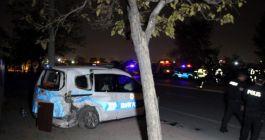 Polis aracına otomobil çarptı: 2'si polis 3 yaralı