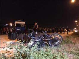 Polisler kaza yaptı Biri ağır 2 polis memuru yaralandı