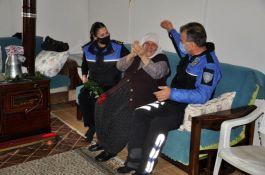 Polisler yaşlıları unutmadı
