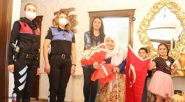 Polislerden şehit annelerine Anneler Günü ziyareti