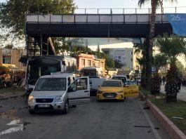Polisleri taşıyan otobüse bombalı saldırı: 5 yaralı