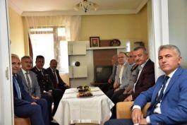 Protokol üyeleri Şehit ailesi ile bir araya geldi