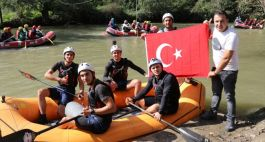 Raftingcilerden Barış Pınarı Harekatı'na destek