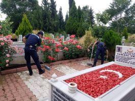 Salihli'de İlçe Jandarma Şehit mezarlarına onarım bakım yaptı
