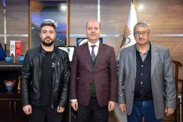 Şehidin babası ve Şehidin silah arkadaşından Belediye Başkanı'na ziyaret