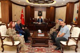 Şehit ailelerinden Vali İdris Akbıyık'a ziyaret