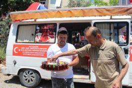 Şehit ailelerinin düğün ve cenaze organizasyonlarında ücretsiz Çay hizmeti veriyor