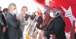 Şehit Ailesi Terörist Annelerini ziyaret etti