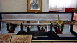 Şehit Ailesine 29 yıl sonra gönderilen kılıç gururlandırdı