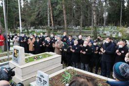 Şehit Ali Gaffar Okkan mezarı başında anıldı(Video)
