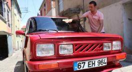 Şehit Amcasının 1974 model arabasına 26 yıldır  gözü gibi bakıyor