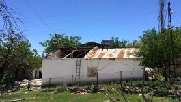 Rüzgar Şehit annesinin evinin çatısını uçurdu