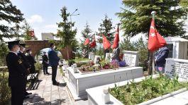 Şehit Asker 4.Yılında kabri başında düzenlenen törenle anıldı