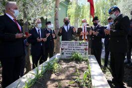 Şehit Asker Şehadetinin yıl dönümünde kabri başında anıldı
