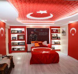 Şehit Askerin Anısı Türk Bayrakları İle Süslenen Odasında Yaşatılıyor