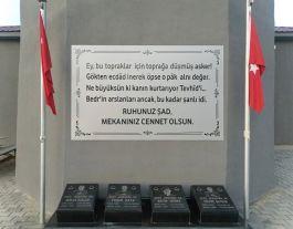 Şehit Askerler İçin anıt yaptırıldı