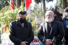 Şehit Babasına yumruk atan Cami imamı Şehit mezarı önünde özür diledi(Video)