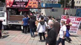 Şehit Bekçi adına Sultangazi'de lokma dağıtıldı