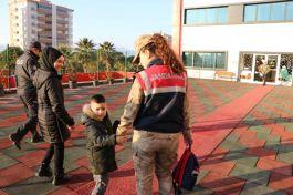 Şehit Çocuklarını onlar okula götürüyor