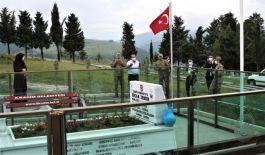 Şehit Ercan Zengin mezarı başında anıldı(Video)
