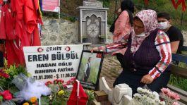 Şehit Eren Bülbül Şehit oluşunun 3.yılında mezarı başında anıldı