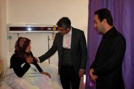 Şehit eşine hastanede ziyaret