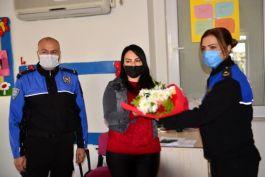 Şehit Eşine Polislerden Ziyaret