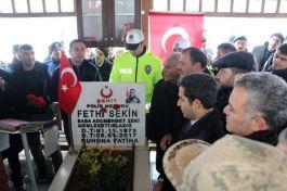Şehit Fethi Sekin, şehadetinin 3. yılında kabri başında anıldı