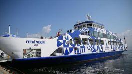 Şehit Fethi Sekin'in isminin verildiği feribot İzmir'de denize indirildi