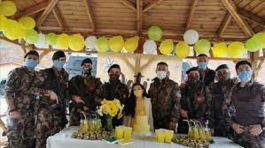Şehit meslektaşlarının kızını doğum gününde yalnız bırakmadı