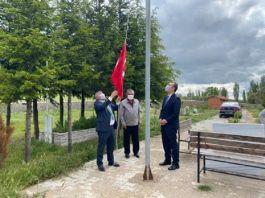 Şehit mezarı onarımına Kaymakam ve Belediye Başkanı 'da katıldı