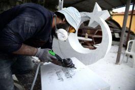 Şehit Mezarlarına çok özel Mermer yapılıyor