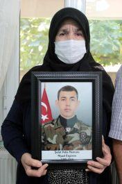 Şehit Özel Harekât Polisinin Annesi o geceyi anlattı