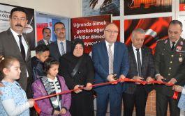 Şehit Polis adına oluşturulan kütüphanenin açılışı yapıldı