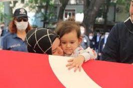 Şehit Polis Babasını son yolculuğuna uğurladı