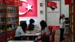 Şehit Polisin adı verilen kütüphane açıldı