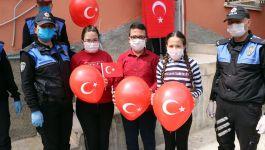 Şehit Polisi'n yetim çocuklarına 23 Nisan hediyesi