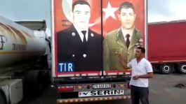 Şehit Türk kahramanların fotoğraflarını Tırından söktürtmedi(Video)