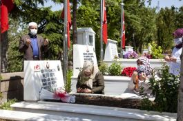 Şehit Uzman Çavuş Şehit olduğu 4.yılında mezarı başında anıldı