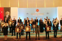 Şehit ve Gazi 101 Aileye İstanbul'da Devlet övünç madalyasını verildi