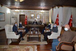 Şehit yakını ve Gazilerden Valiye ziyaret